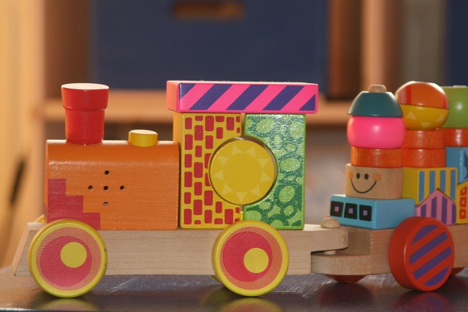 hračka lokomotivy