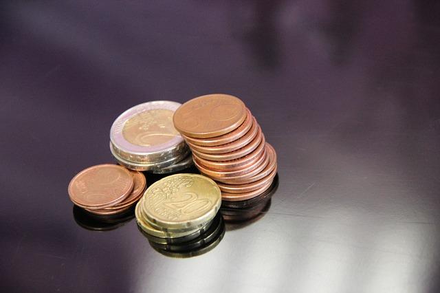 srovnané drobné mince